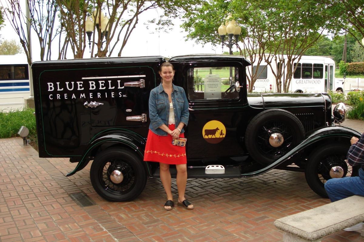 blue bell creameries black delivery truck