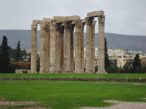 ruins of temple of zeus athens greece