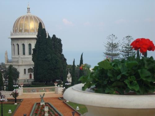 baha'i gardens haifa israel