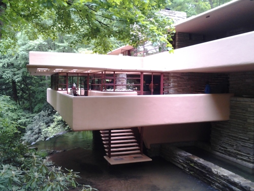 Frank Lloyd Wright Falling Water house decks