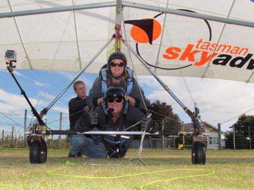 hanggliding stray bus new zealand tasman national park skyadventure