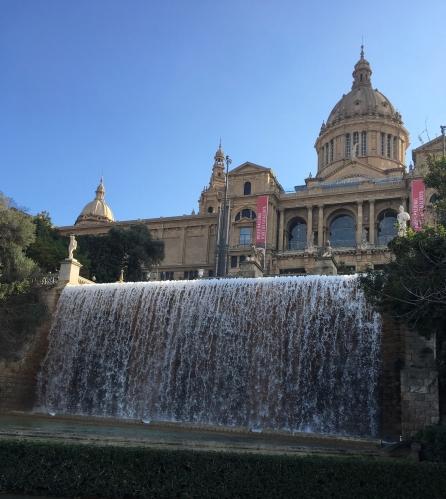 water fountain and exterior of Art Museum catalunya