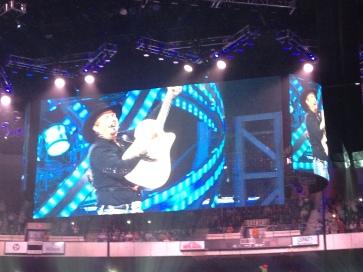 Garth Brooks Takes the Stage in Richmond VA