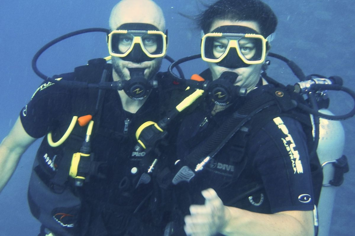 Chris and Deah, Diving in Australia