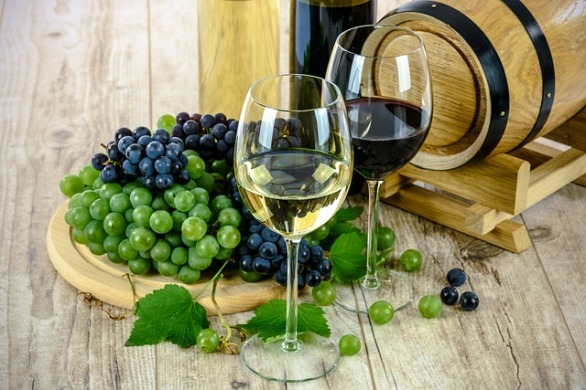 Wine Glass Two Types Of Wine Grapes White Bottle
