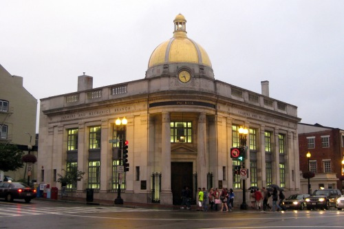 PNC bank at corner of M Street and Wisconsin Avenue